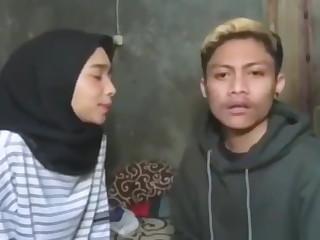 Cewek indonesia ngentod dengan sepupu