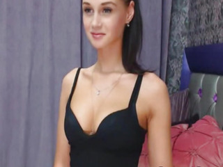 Gorgeous Petite Chick Having Show on Cam