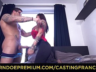 CASTING FRANCAIS – Silicone busty inked doll fucked raw